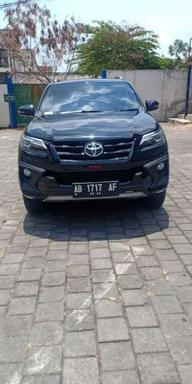 Toyota Fortuner 2.4 VRZ 4x2 AT (2018)