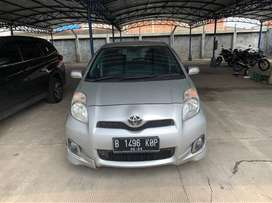 Toyota Yaris E AT 2013 Km Low parah dan Asli !!