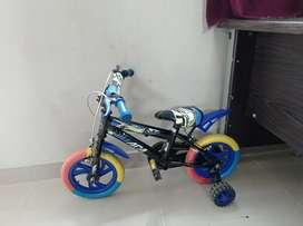 Sepeda anak warna biru