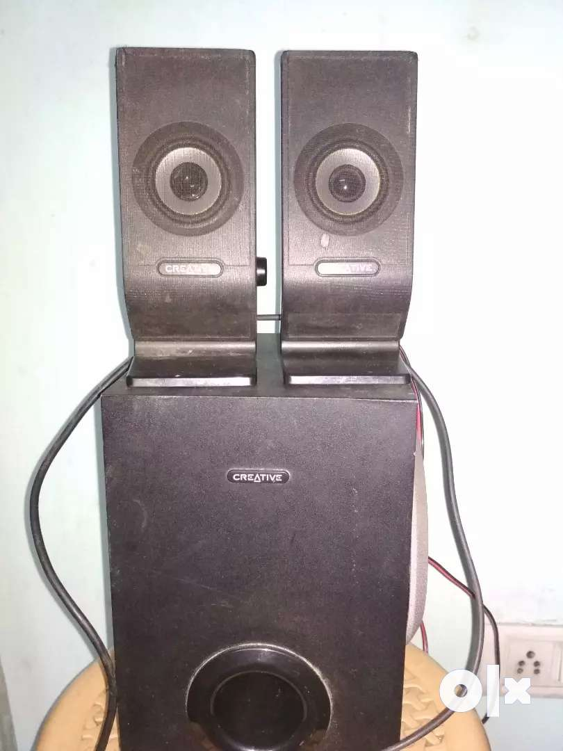 Sound system 2.1 in just ₹1500 of creative company 0
