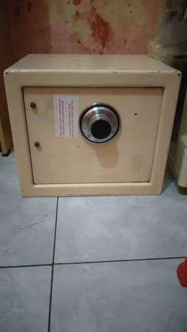 Jual Brankas Mini Cash Box Bekas Berkualitas