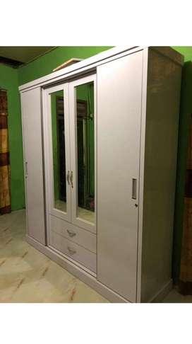 Lemari 4 pintu putih cantik