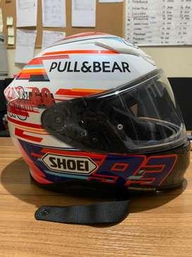 Helm SHOEI Z7 Marquez Powerup + Sena 10s (Installed)