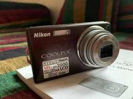 Nikon coolpix S550