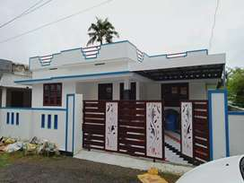 4 cent 1000 sqft 3 bhk ready to occupy at pararvur near thattampady