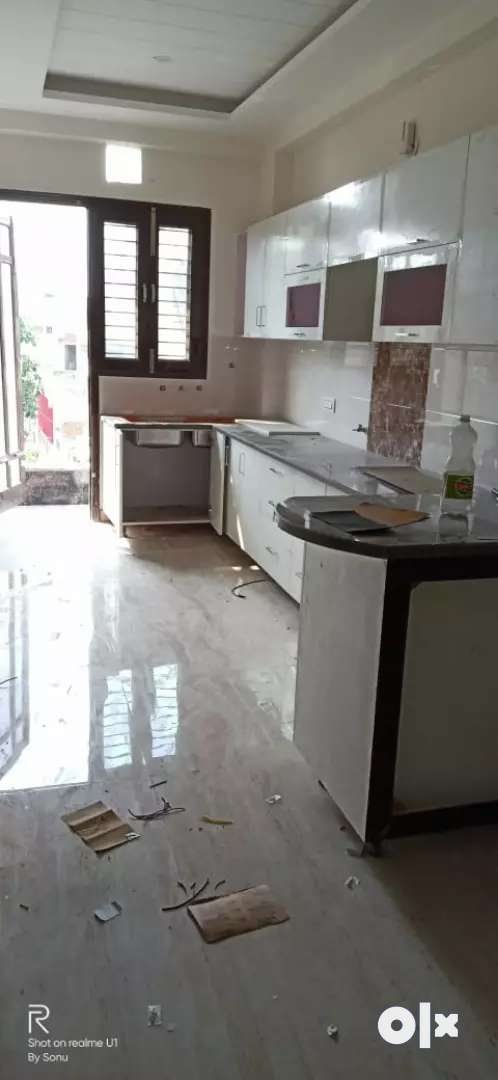 3bhk flat separate floor 58 Lac only 0