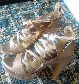 New sylish heel shoes..