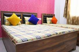 Boys pg, fully ac rooms available in Noida 16, Noida 19.