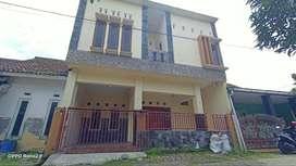 Dijual Rumah 2 Lantai Dalam Perumahan di Jambidan