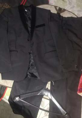 Mens 2 Piece Pent Coat Urgent sale