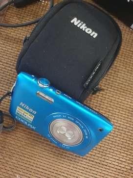Nikon Digital Camera Cool pix S3300 in Blue