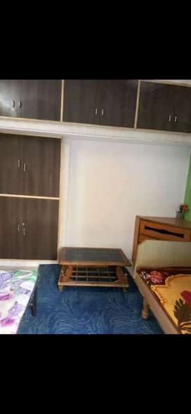 Fully Furnished rooms on rent for singals and students only