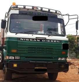 Dijual Mobile Crane Nissan Diesel Kapasitas 5 Ton