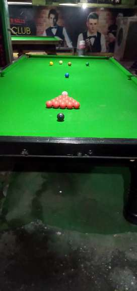 Snooker table 5 x 10  in new condition jst 33,000 only