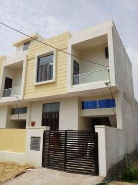 90% Lonable luxurious villa on 60 ft road