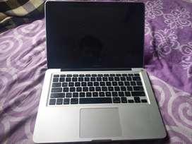 MacBook Pro 256 SSD 4GB RAM