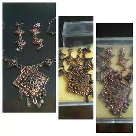 Set kalung dan anting india