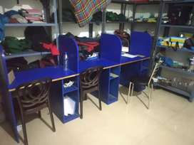 Computer table selling