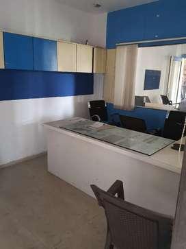1200 sq ft office Canada Corner