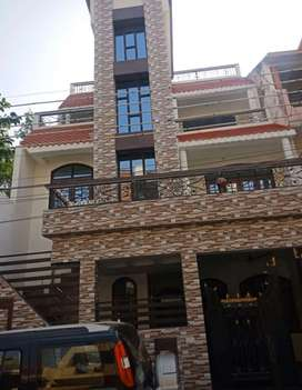 House in prime location of Gomti Nagar on a 9m wide road near market.