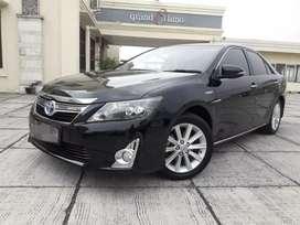 Toyota Camry Hibrid V 2.5 At 2012 Hitam kondisi Terawat Servis Record