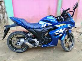 Suzuki gixxer.. Fully new condition..
