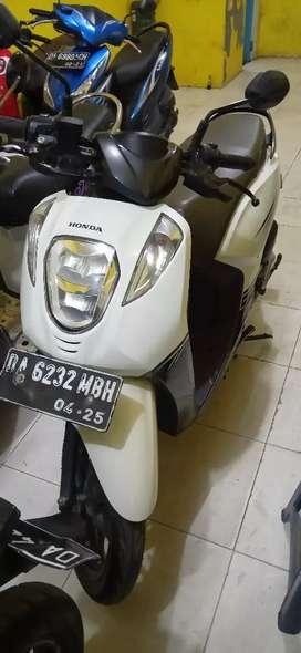 Motor bekas GENIO