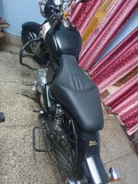 Royal enfield classic 350 seat