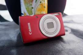 Kamera Canon Eos 185 merah