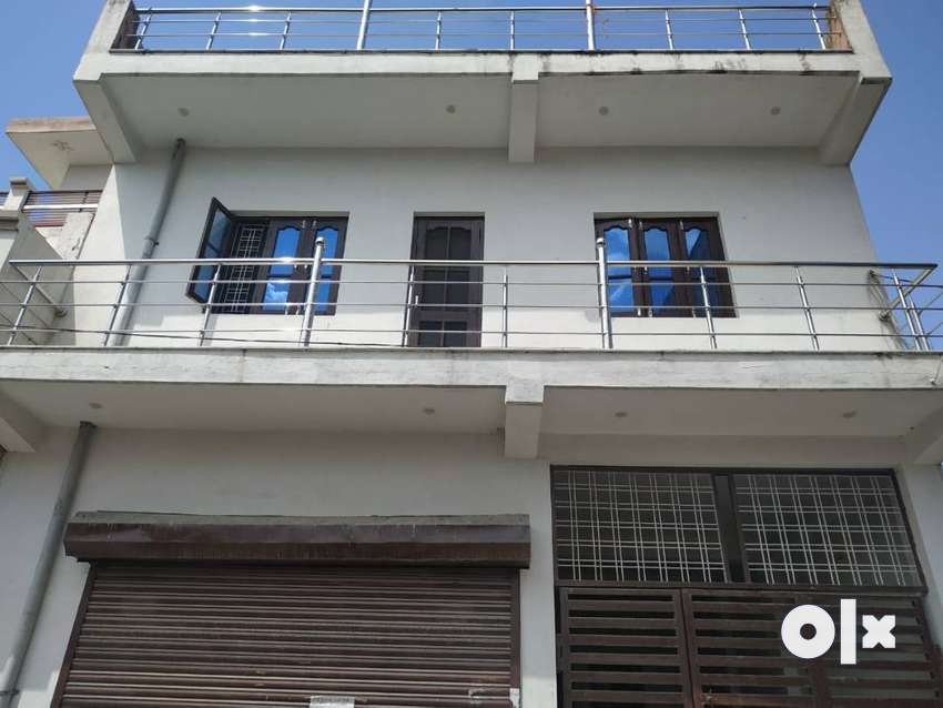 2 BHK Family Set Available for Rent in Raja Garden at Prime Location 0