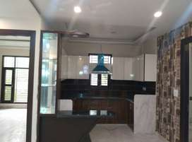 200 gaj flat avilable for sale in 1.25 cr ,4 bhk uttam nagar