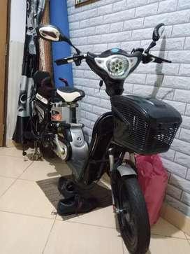 Sepeda listrik super raider