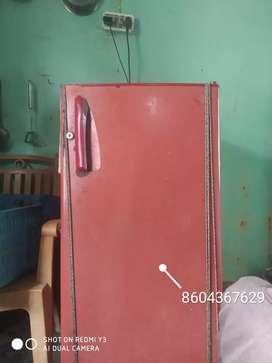 I am selling a fridge urgent
