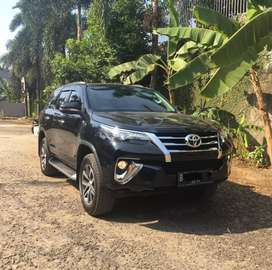 Toyota Fortuner 2.4 VRZ AT Diesel 2018 Hitam