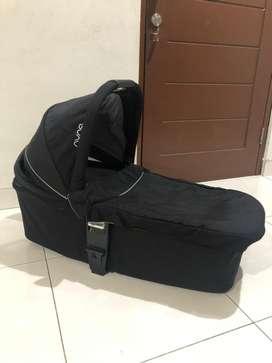 NUNA Mixx Carry Cot / Bassinet BAGUS 100% like New