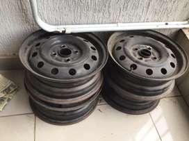 Wheel rims for swift