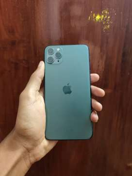 iPhone 11 pro max 256gb 1 year old full box