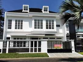 Rumah Mewah di Villa Golf Boulevard Araya Malang