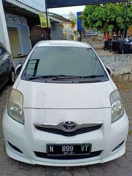 Dijual Toyota Yaris S limited putih 2010