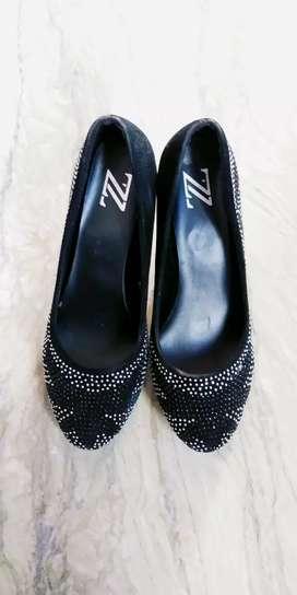 Black stoned Heels