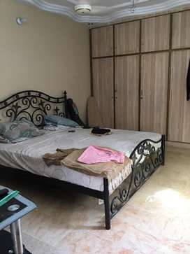 Urgent flat for sale in nazimabad no 2
