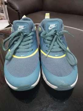Sepatu Nike cewek uk 39