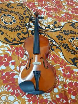 Kaps violin, only 3 months old without bill