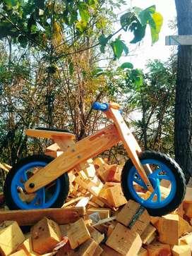 Sepeda balance kayu / wooden balance bike