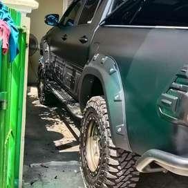 Wrapping car+cutting sticker