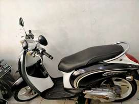 Scoopy th 2010 samping butik aleanoor Sultan Adam hairi motor