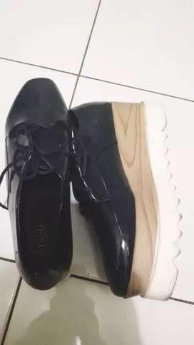 Sepatu Fladeo size 38