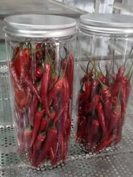Red chilli powder and red chilli flakes..600/- pr kg