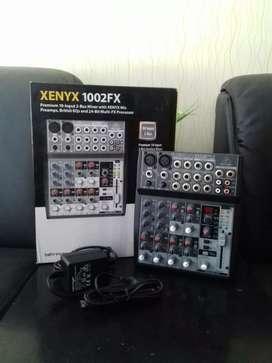 Behringer 1002FX Mixer