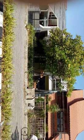 Rumah 2 lantai strategis lokasi